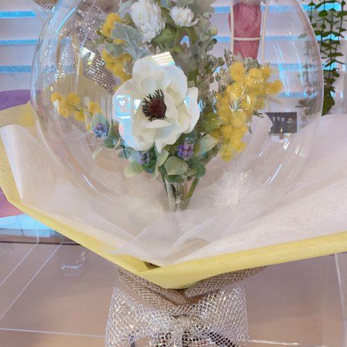 光とお花を包んだ透明なバルーン♡♡♡